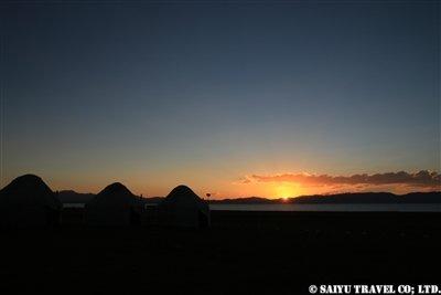 ⑮【ソン・クル湖に夕日が沈む】KW2A2181