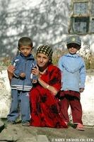 パミール諸民族の親子