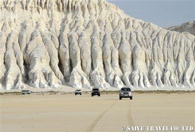トゥズバイル塩湖 カザフスタン マンギスタウ (4)