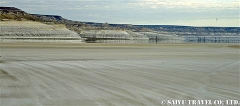 トゥズバイル塩湖 カザフスタン マンギスタウ (1)