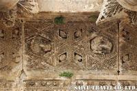 バッカス神殿の添乗の彫刻