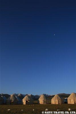 ⑰【夜明け前のユルト】KW2A2292