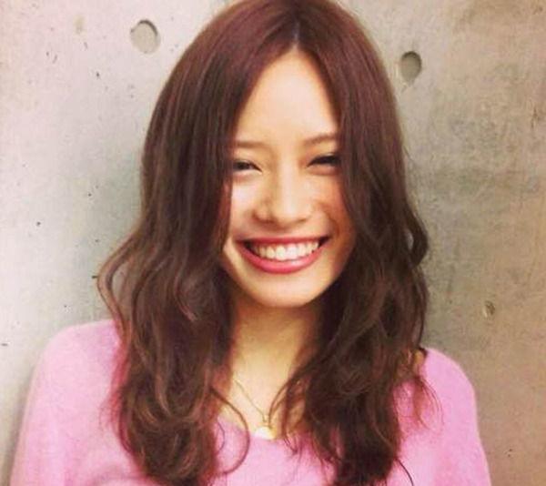 【 画像 】サッカー選手の結婚ラッシュ!セレッソ水沼宏太がタレント(福岡を拠点に活動)の平田たかこさんと結婚!