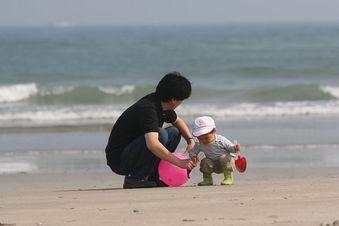 浜辺(親子)