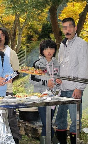 ピザを窯で焼く3