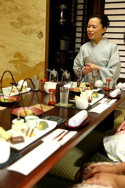 「飛翔庵」で日本茶を楽しむ会1