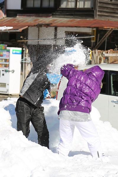 貝泊・雪合戦3