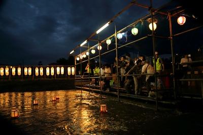 夏井川の灯篭流し1