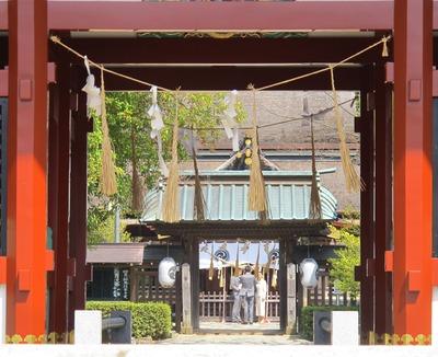 飯野八幡宮で祈る2