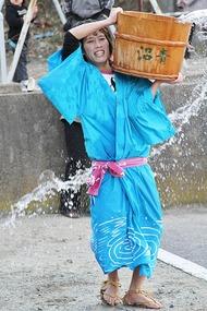 奇祭・真冬の水掛け祭り「水祝儀」 4