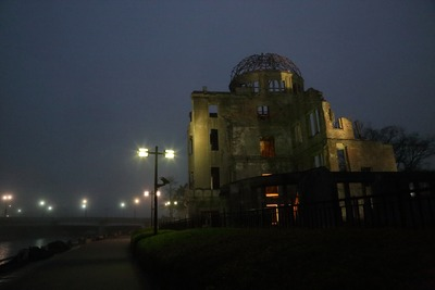 夜明け前の原爆ドーム4