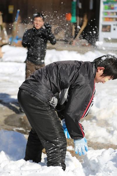 貝泊・雪合戦1