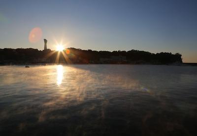 早朝の小名浜港2
