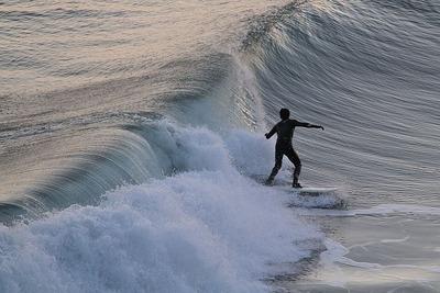サーファー集う真冬の海岸5