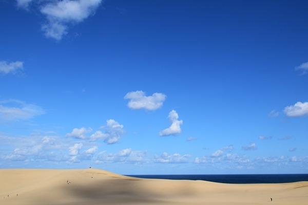 キューピットの雲と砂丘