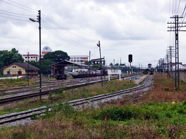 ピサヌローク駅