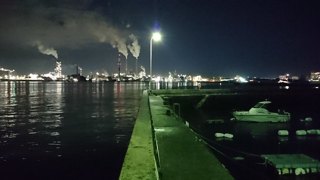月曜日の宇部港