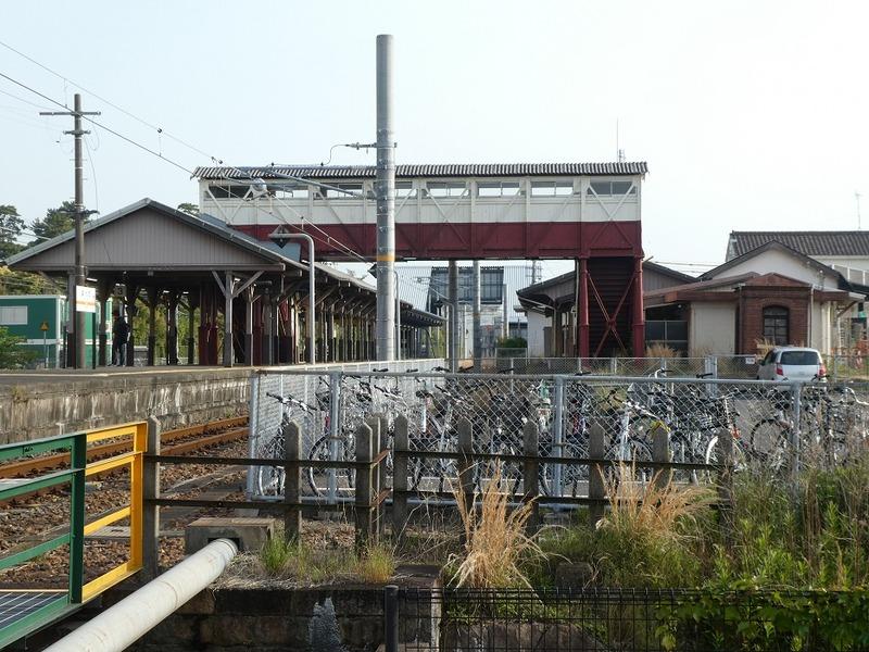 3 半田駅と跨線橋 その1