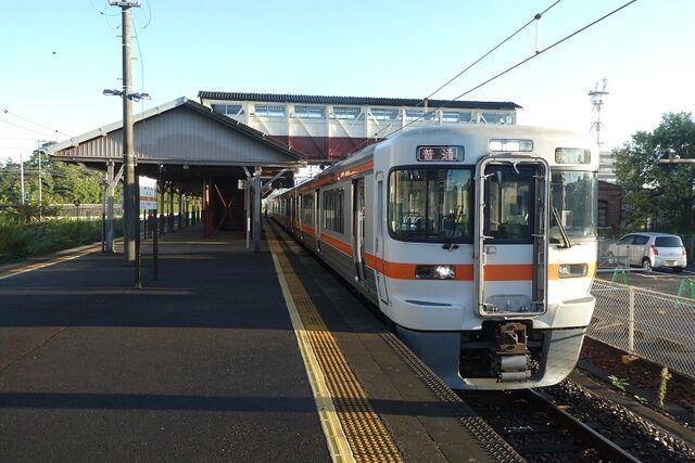 1 半田駅にて その2