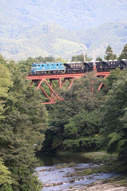 5  秩父鉄道 武州原谷~和銅黒谷間 301号機 石灰石列車 その1