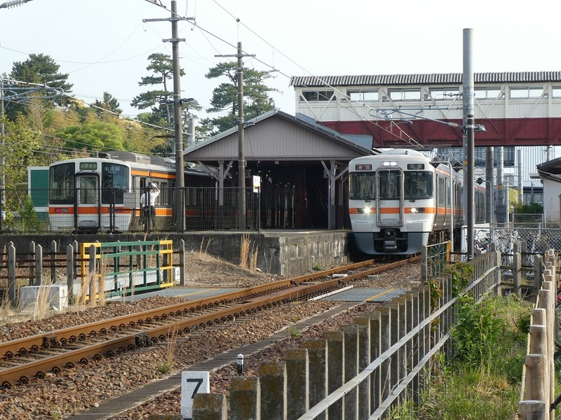 3 半田駅と跨線橋 その3
