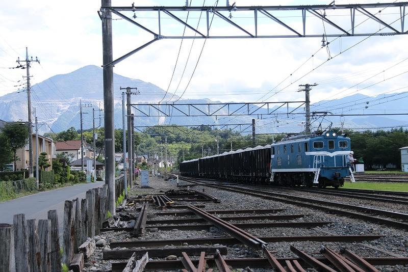 4  秩父鉄道 武州原谷駅にて 301号機 石灰石列車 その2