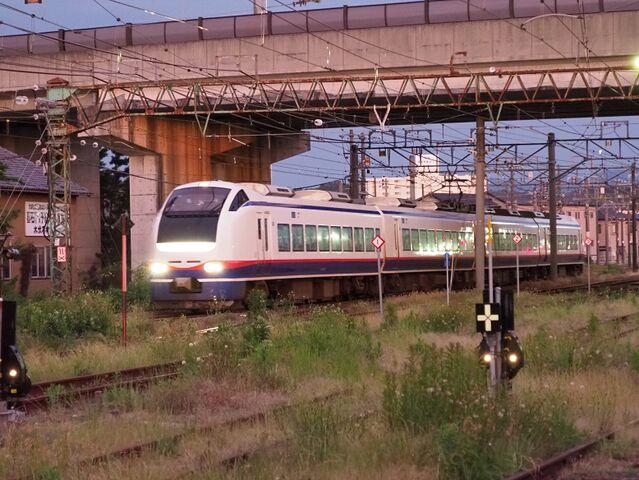 10 特急 新津駅にて その1
