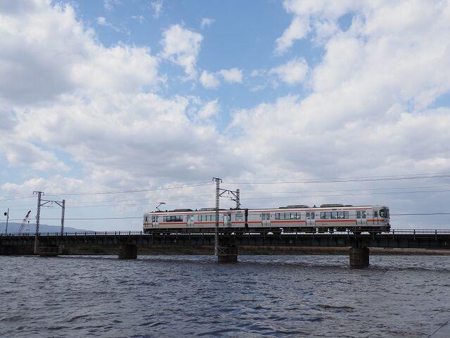 6 313系 日光川橋梁にて その1