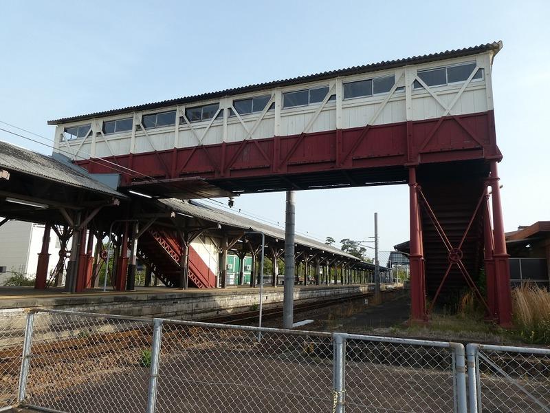 4 半田駅と跨線橋 その2