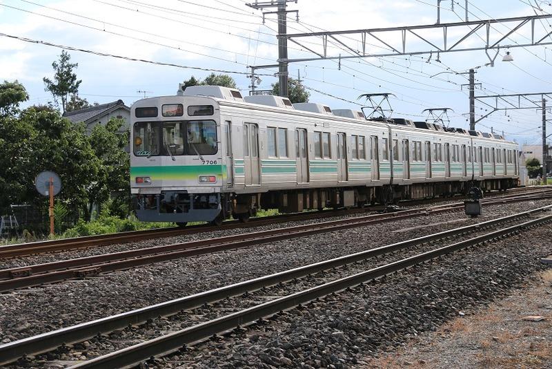 6  武川駅にて 7706 その1