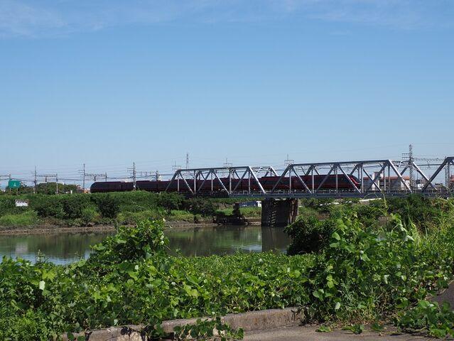 6 近鉄特急 ひのとり 庄内川橋梁にて その2