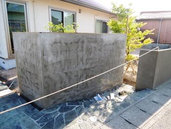 門柱下地モルタル塗り