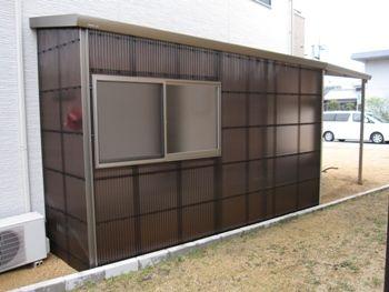 さし掛け(波板倉庫)
