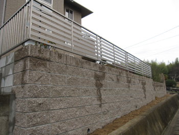 土留め化粧型枠ブロック工事