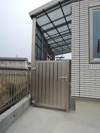 LIXIL片開き戸セレビューR4型門扉