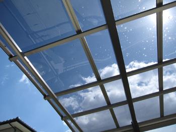 カーポートの屋根材クリヤーブルーポリカ