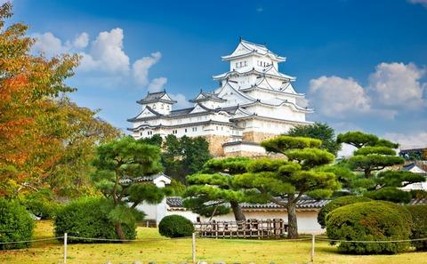 Himeji-Castle-Kobe-Japan-1100x680