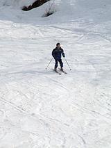 直滑降スキーヤー