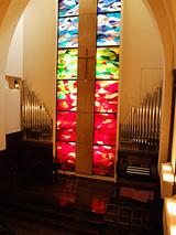 こんな教会でした。かなり音が響きます