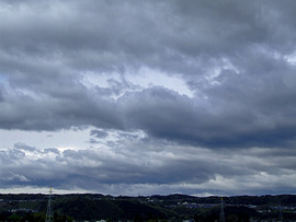 雲行きは怪しい