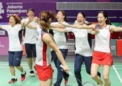 バドミントン日本女子、中国破り48年ぶり金メダル!アジア大会