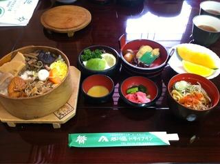 谷川岳ドライブインわっぱ飯