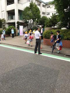 栄和小20170829あいさつ運動2