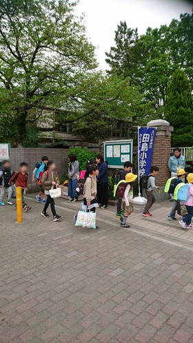 田島小20180409あいさつ運動3