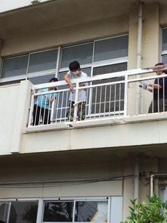 神田小20170727ペンキ塗り4