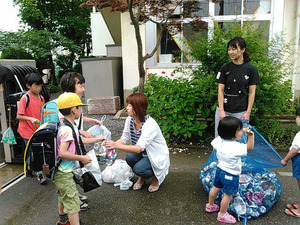 神田小アルミ缶回収7月1