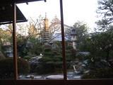 よーじやカフェ室内から見た庭