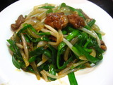 上海屋のニラレバ炒め