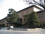 鶴舞中央図書館全景