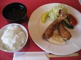 浅野屋エビフライ定食